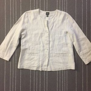Eileen fisher button front 100% Irish linen jacket